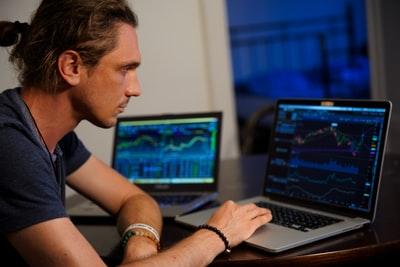 株式市場の暴落予知